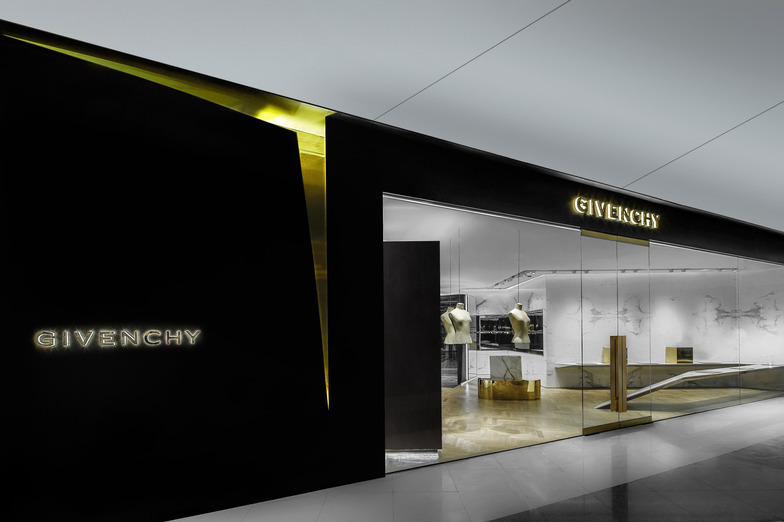 GIVENCHY IFC MALL - WOMEN - HONG-KONG