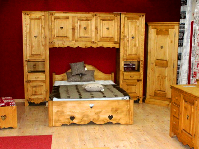 les docks du meuble viuz en sallaz viuz en sallaz. Black Bedroom Furniture Sets. Home Design Ideas